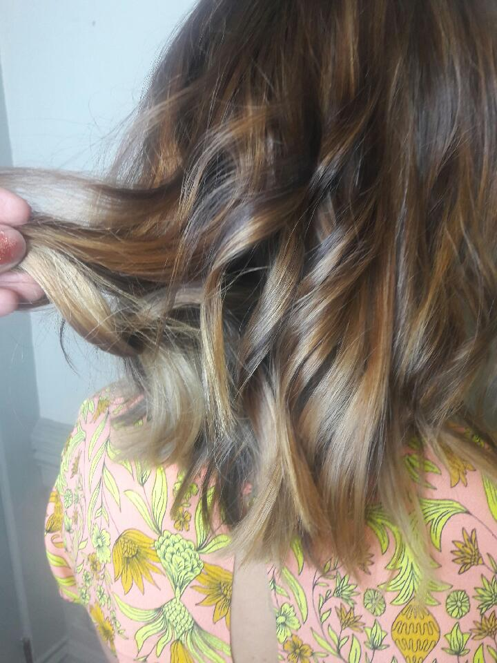 blonde on brown ombre for short wavy hair