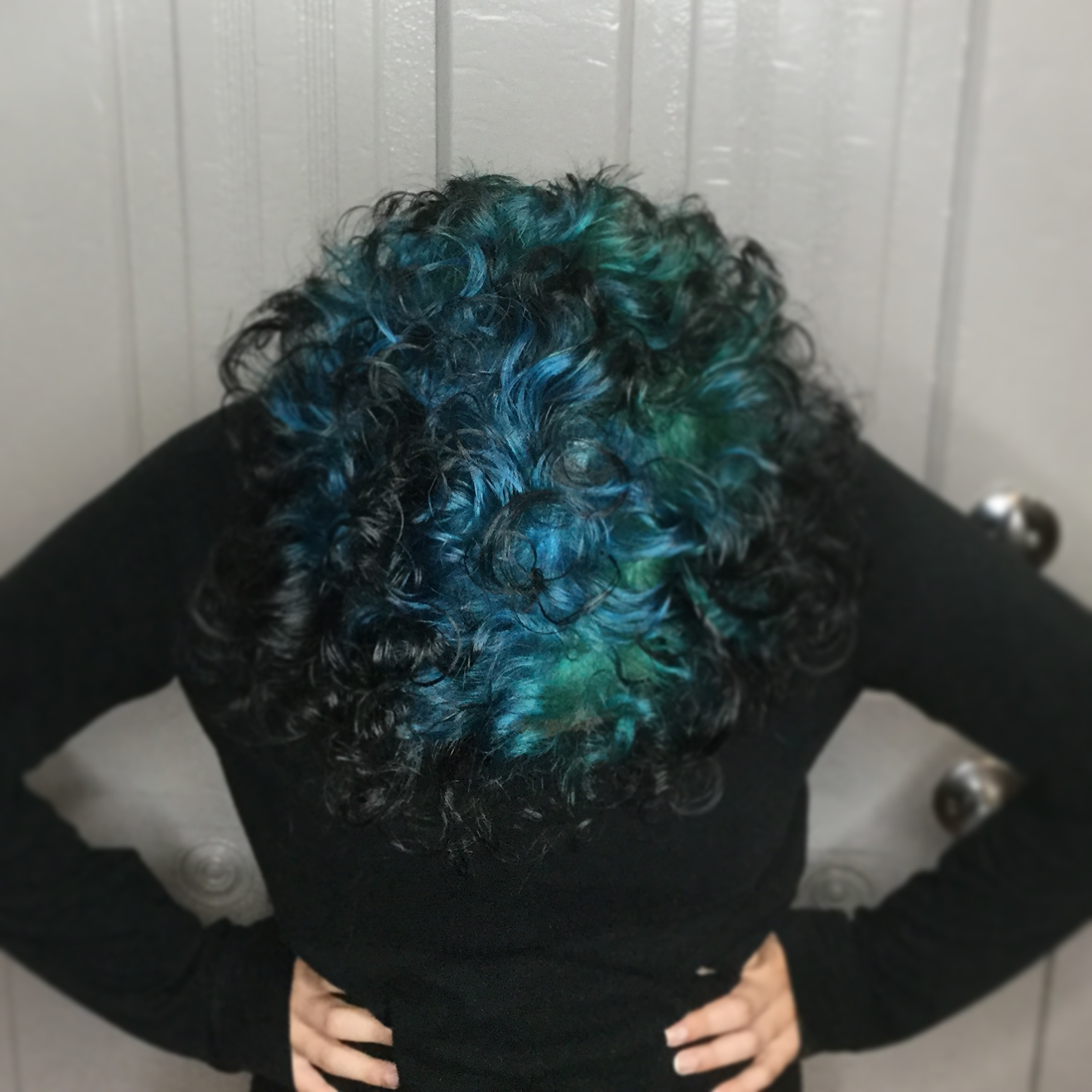 blue reverse ombre for short curly hair
