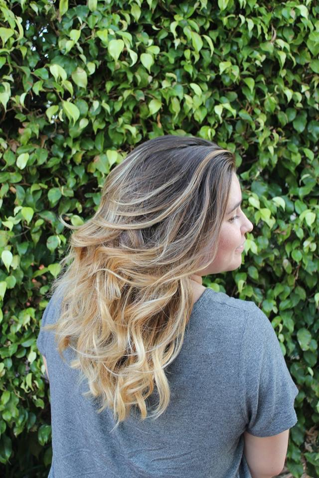 blonde ombre wavy hair
